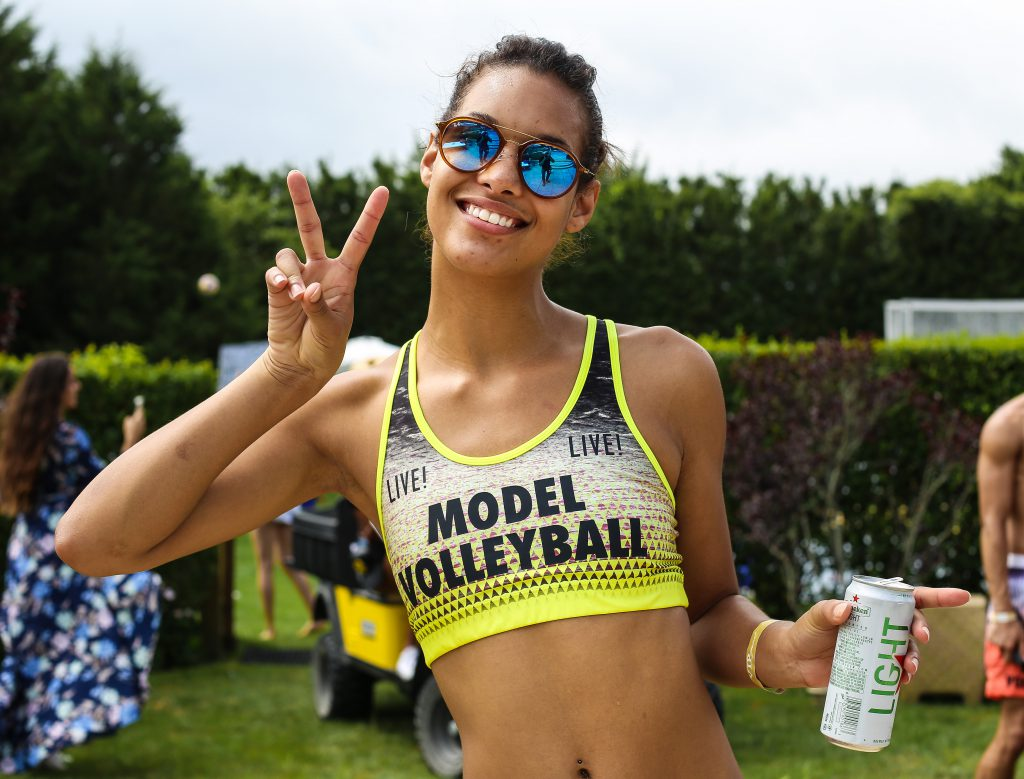 model-volleyball-live-3