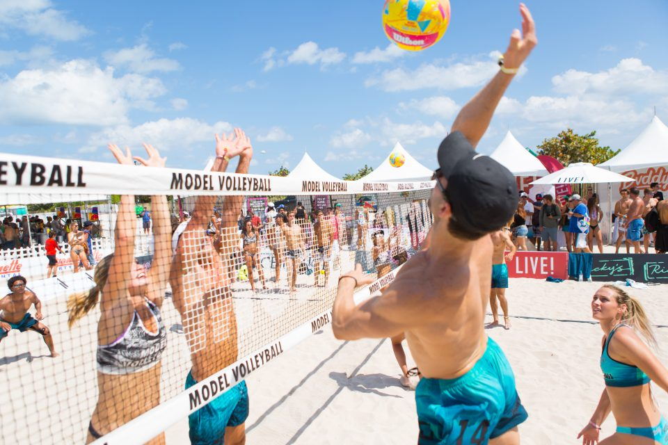 LIVE! transmite Model Volleyball MIAMI nas redes sociais